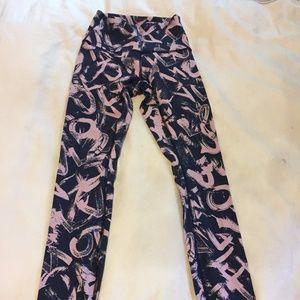 lululemon athletica yoga pants size 2